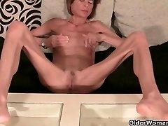 Labai liesas granny juostelėmis off ir masturbates (kompiliacija)