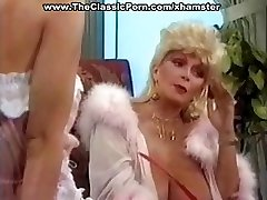 Busty modne klassiske blonde star gir en varm vintage blowjob