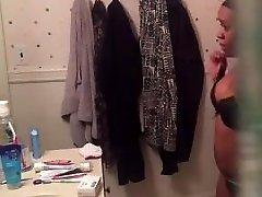 Ebony gettin dressed