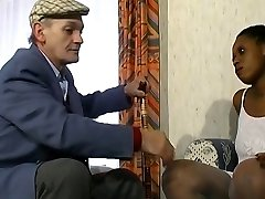French Papy voyeur pulverizes a huge black girl