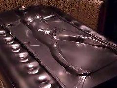 Black vacuum bed