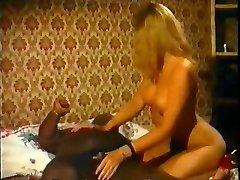 Ebony midget enjoys with white Princess