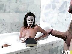 Cecilia Fox In Tub Fucking Dark-hued
