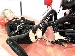 Black rubber piss buttplugs