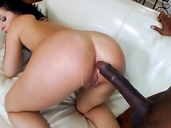 Litlle Madelyn takes her very first big black man-meat