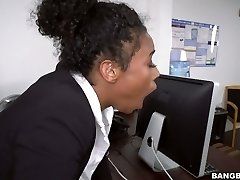 Ebony secretary Ivy Youthfull fucked bad in the office