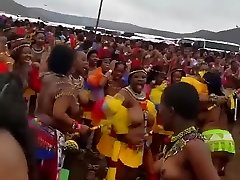 Thousands of topless Zulu damsels with big bosoms