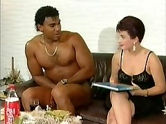 White lady get suprised by a nude dark-hued cock