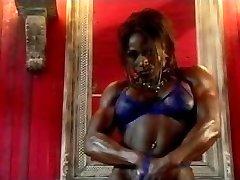 Desiree Ellis 02 - Damsel Bodybuilder