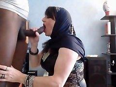 arab babe do oral job