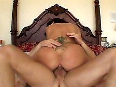 Raven hottie shagging nasty