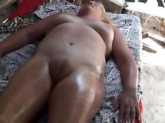 amateur massage africa puffy puss - 3