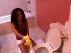Hot ebony maid fucked in a douche. enjoy