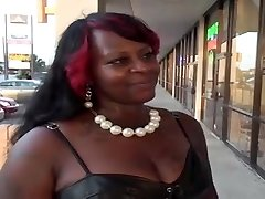 Huge keister ebony BBW gets poked on the bed