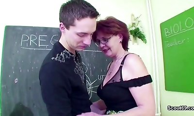 Mature School Instruct flash Young Boy How to Fuck right