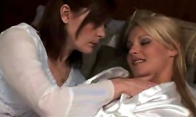 mature lezzy make out with steamy blond