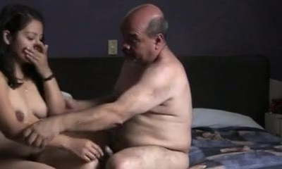 Indian prostitude girl porked by oldman in hotel room.