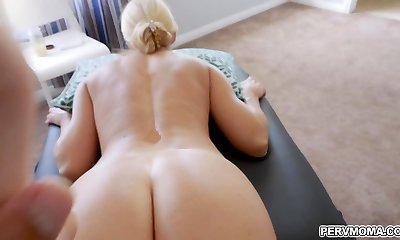 Stuffing stepmoms pussy with an entire knuckle