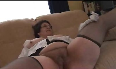 Mature Plumper shows her body