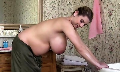 Natural tits pregnant sex with pop-shot