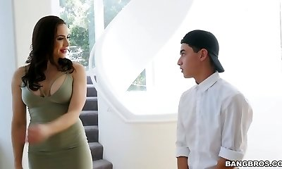 Juggy step mummy Chanel Preston seduces stepdaughter's bf