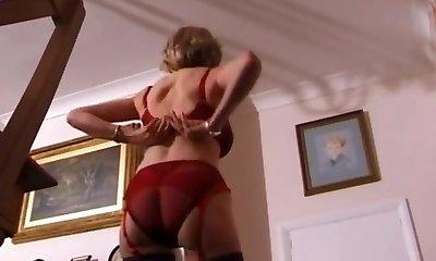 Uma in the dining bedroom