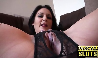 Horny brunette mom with chubby bootie playing with her used cunt