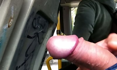 flash in the bus (grannie :))