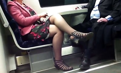 Candid Sexy Crossed Gams 8. Hot Mature! (+slow movement)