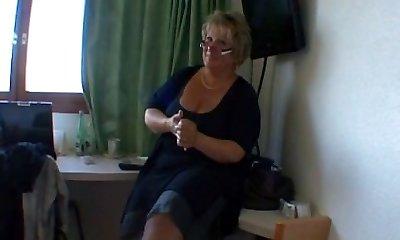Frenk granny instructor