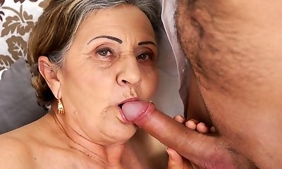 Wooly granny pussy fucked deep
