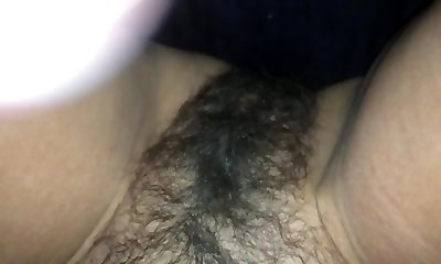 Big load on mommys hairy cooter