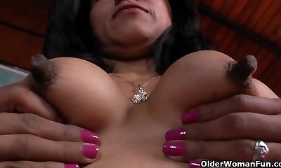 Latina milfs Allison and Veronica get revved on by new nylon