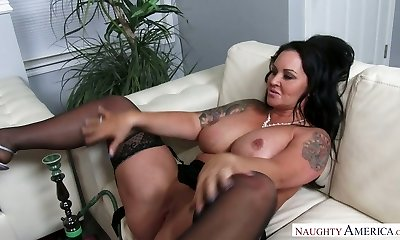 Horny brunette MILF Maci Maguire gets her twat licked and banged