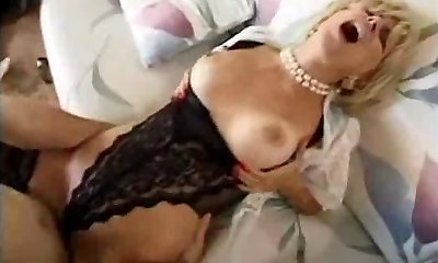 neighbor fellow fucks his best friend mature milf mummy