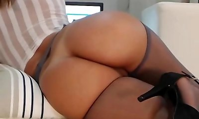 Milf webcam with an amazing bod!!