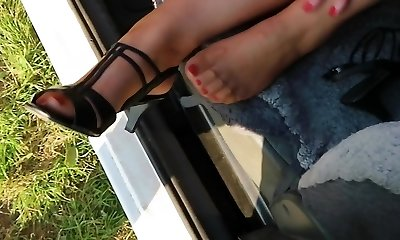 Outdoor sole fetish action with mom nylon feet