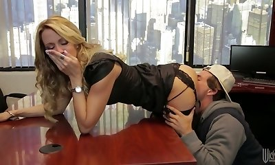 Divine blonde mom Jessica Drake is humped really well