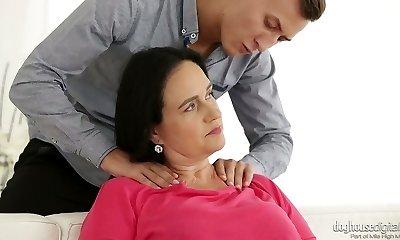 Voracious mature slut Ria plumbs fabulous young man