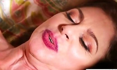 Hottie Not Step Mummy Cashmere Gives Oral Sweet Tender Stepson