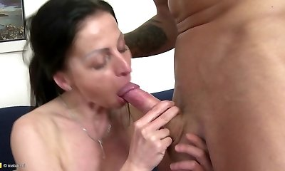 Fabulous mature mom opens her pussy for not her stepson