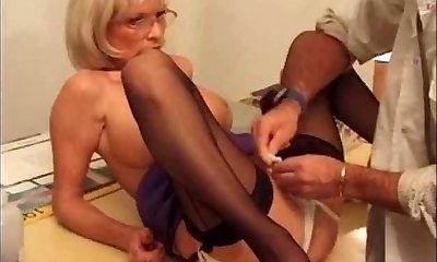 Cootchie pierced mature super-bitch getting cunt with piercing fisted