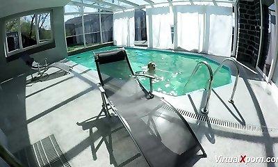 gigantic tit Milf masturbating at the pool