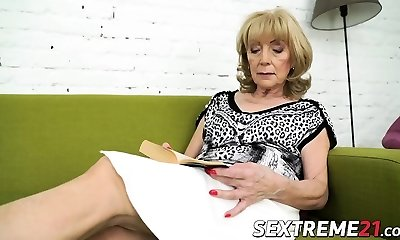 Nasty granny Szuzanne needs Olivers fuckpole to drill her pussy