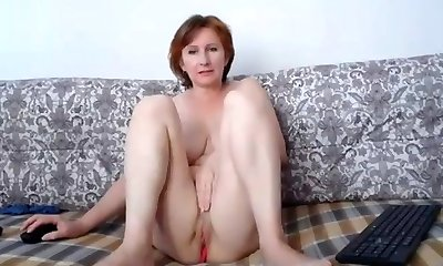 Russian momma fine mammories and lovely pussy