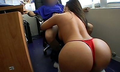 Curvaceous mommy is providing deep-throat blowjob to her boss