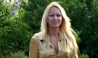 Blonde mature fucking anal and blowjob