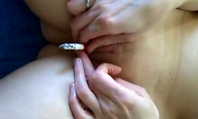Smoking vulva