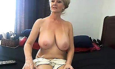 inexperienced meganrosex masturbating on live webcam