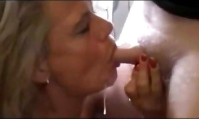 Mature Likes Young Cum